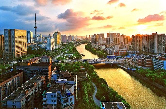 Um breve olhar sobre a superlativa China